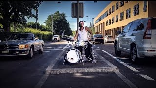 A drumming video from the streets of Zurich and Luzern. No poi in t...