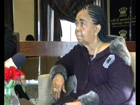 www.yosmusic.com סזריה אבורה ראיון Cesaria Evora Interview