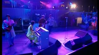 Watch Oasis I Am The Walrus Live video