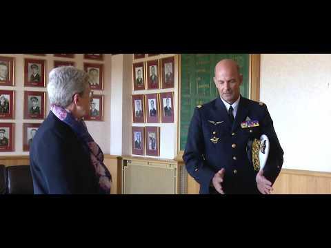 RÉSILIENCE : Geneviève Darrieussecq, en visite au Centre dexpertise aérienne militaire