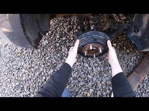 Снятие заднего тормозного барабана. Проверка задних колодок. Солярис 2019г. Пробег 29500км.