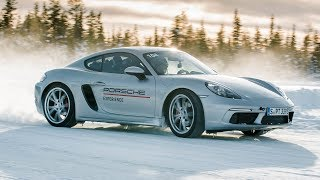 PORSCHES LOVE SNOW !