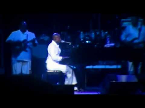 KEM @ The Virginia Beach Amphitheatre Performing