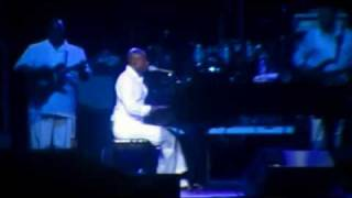 "KEM @ The Virginia Beach Amphitheatre Performing ""Why Would You Stay"""