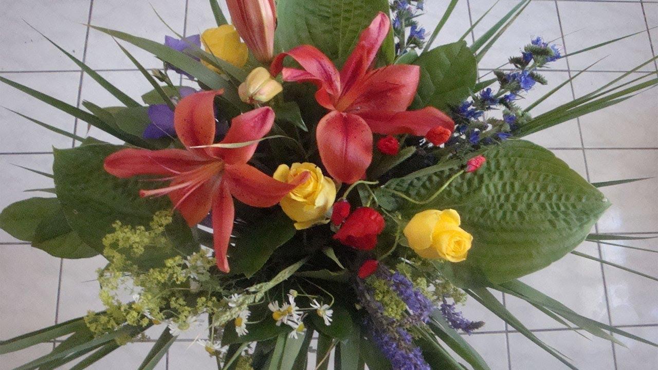 Blumenstrau selber binden wie ein Florist  YouTube