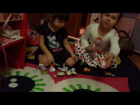 Видео, Киндер Тойс vlog с другом Шоу киндер яйца майнкрафт ам нямы миньон kinder surprise
