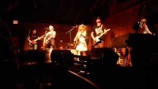 The Whiskey Sisters - Set The World On Fire / So Close To The Sun (live)