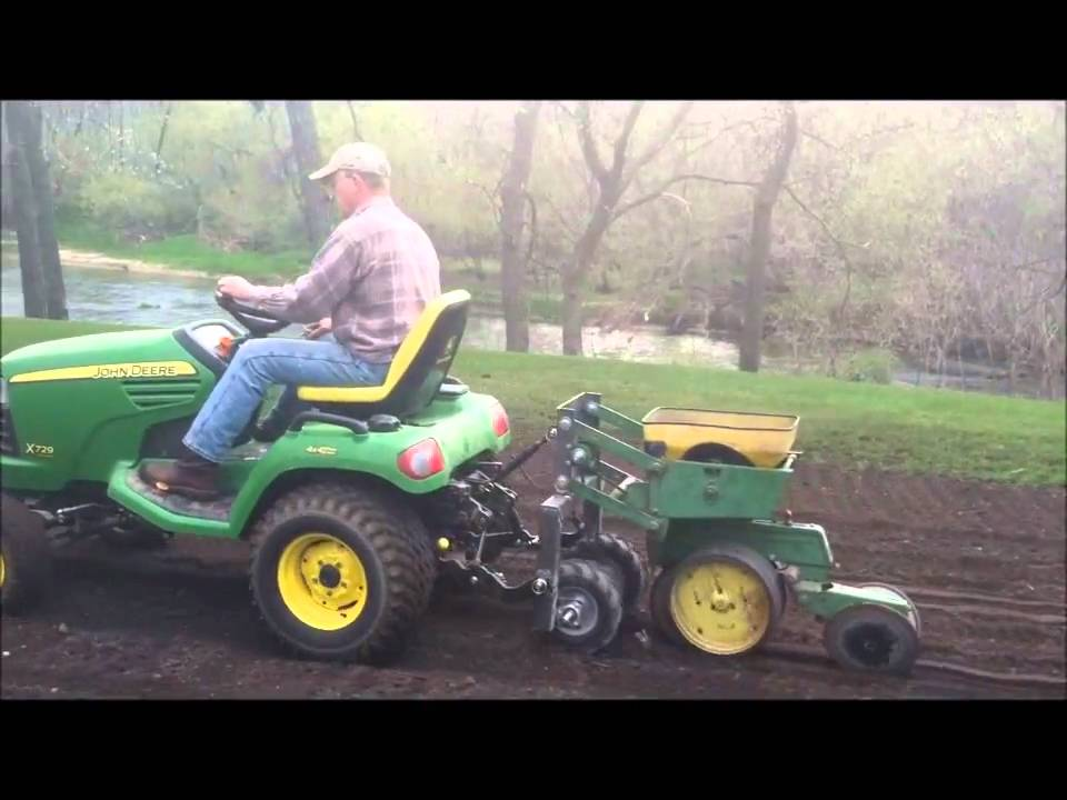 John Deere 7000 1 Row Planter Youtube