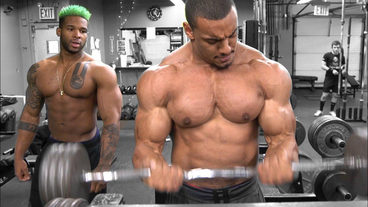 Odell Beckham Jr shows off arm strength during workout session