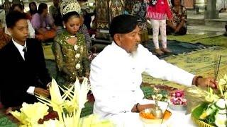 HINDU WEDDING CEREMONY - Upacara Pernikahan Hindu Jawa - Pura Jagatnatha [HD]