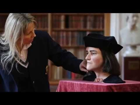 Does Richard III's DNA question Queen's right to the throne?