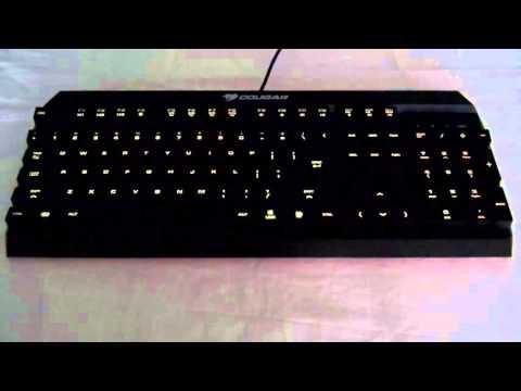 lighting-effects-of-the-cougar-450k-hybrid-mechanical-keyboard