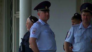 Уволены еще четверо полицейских, которые работали по делу журналиста Ивана Голунова.