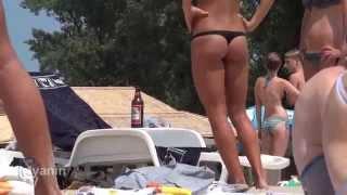Красивые девушки на пляжах Киева