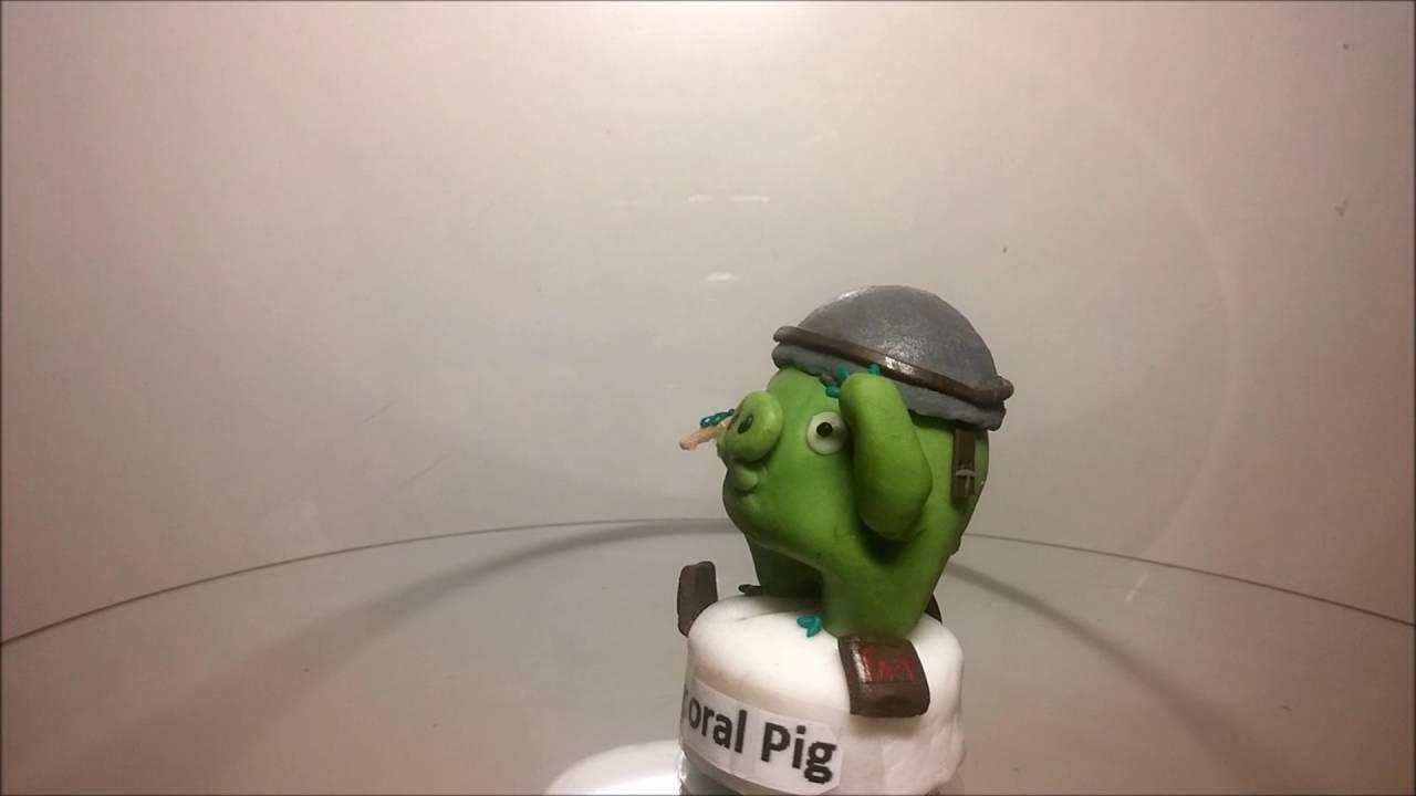 Chef Pig, Corporal Pig, Foreman Pig