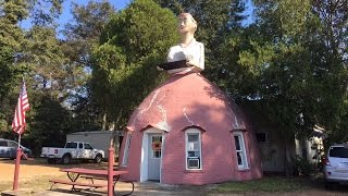 Restaurant in a Giant Woman