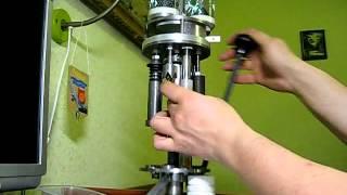 Самодельный станок для изготовления патронов 12к(Позволяет: 1. Выдавить стреляный капсюль, обжать юбку гильзы 2. Установить новый капсюль 3. Засыпать навеску..., 2012-04-10T18:08:13.000Z)