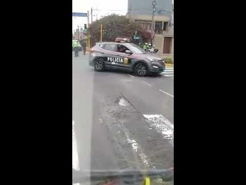 Download Policia dispara a conductor en fuga