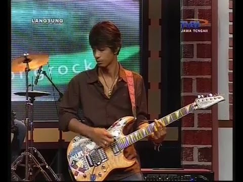 PELANGI BOOMERANG - COVERED BY THE ROCKET LIVE AT TVRI