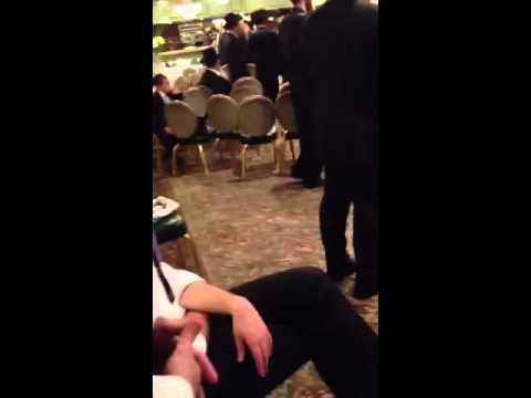 Yehuda Aderet singing Jewish Orthodox wedding simcha music