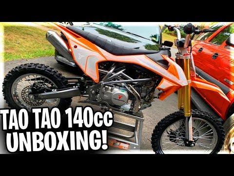 UNBOXING My New Tao Tao DBX1 140cc Dirt Bike/Pit Bike! | How To Put Together Tao Tao 140cc Pit Bike