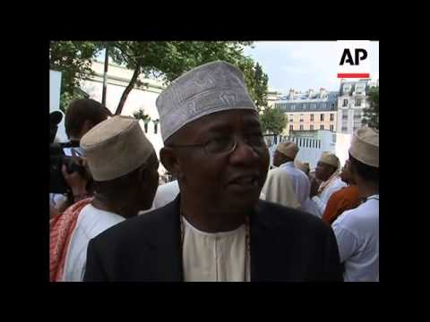 Mosque memorial for Yemenia plane crash victims, Sarkozy attends