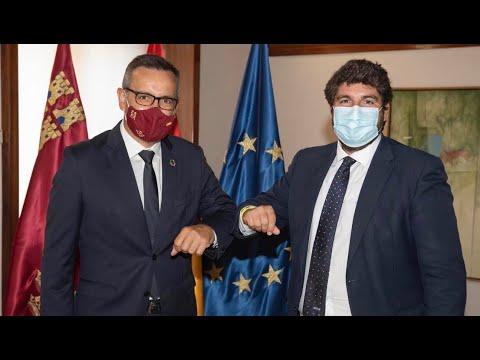 """López Miras pide """"unidad para hacer frente a la pandemia"""" en su reunión con Conesa"""