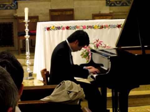 18 year old Zhao Yang Ming Tian playing Franz Liszt's La Campanella