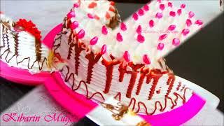 Çikolata soslu yaş pasta tarifi -  En kolay yaş pasta yapılışı - Kalpli şekerleme ile süsleme