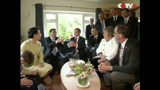 Premiers of China, Ireland Visit Cow Farm in Shannon