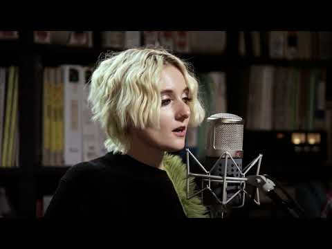 Jessica Lea Mayfield Offa My Hands