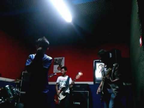 Kotak - Beraksi (band cover)