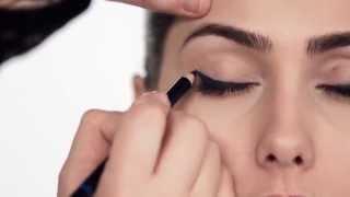 видео Как рисовать стрелки на глазах карандашом для начинающих