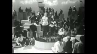 http://www.facebook.com/simonandgarfunkelnews 1-3-1968 Host: Victor...