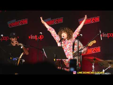 """Sarah Stiles Sings """"Other Friends"""" From Steven Universe - NYCC 2019"""