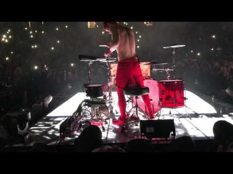 Twenty One Pilots - Cancer Cover LIVE My Chemical Romance (ERS 2017 Albany NY)