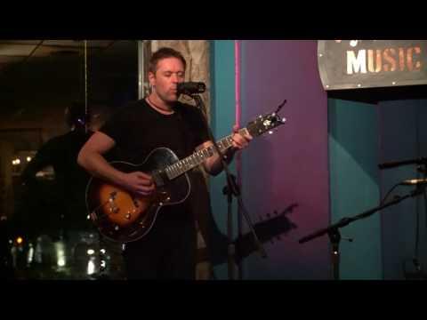 "Muddy Ruckus - ""Lightning"" [LIVE at Riverwalk Cafe]"