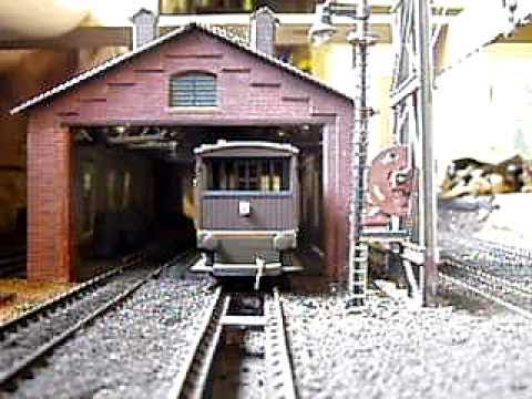 Model Railway Flashing Light on Brake Van in Daylight