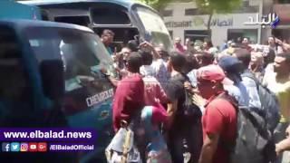 بالفيديو..طلاب معاهد التمريض يقطعون الطريق بـ'قصر العينى'