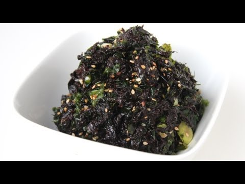 Seasoned seaweed (Doljabanmuchim: 돌자반무침)