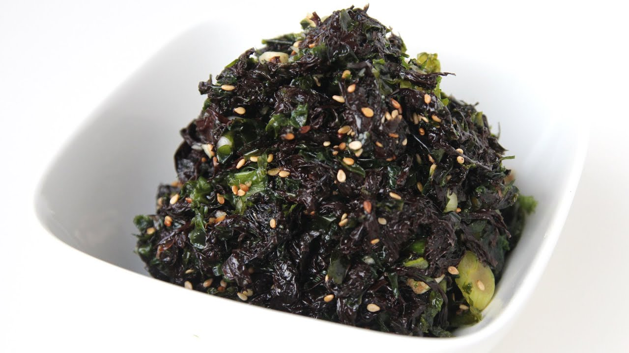 Seasoned seaweed (Doljabanmuchim: 돌자반무침) - YouTube