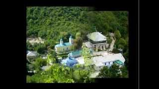 Село Сахарна, Монастырь