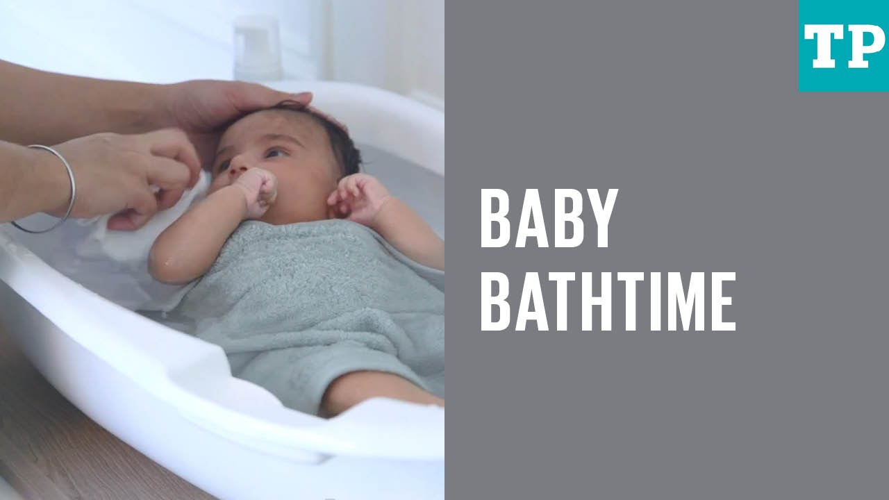 How to give a baby a bath - YouTube
