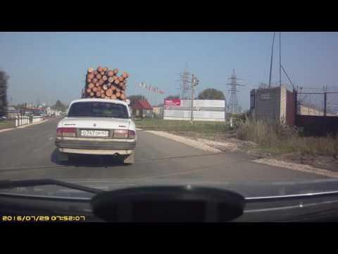 Рязань. 29 июля 2016. Обгон на железнодорожном переезде.