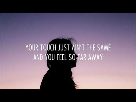 Savannah Sgro - Love Me Like You Used To (Lyrics)