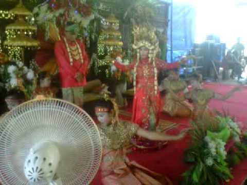 Tarian Adat Pernikahan Palembang - Pernikahan Muh. Subhan Nasution di Simpang 5 Talang Ubi