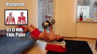 Brustmuskeltraining mit Kurzhanteln für zu Hause