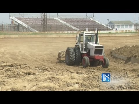 Benton County dirt race track reopens