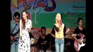 Video Putri javaland  ft  om zelinda lagu galau live smk n 1 sambirejo 2016 download MP3, 3GP, MP4, WEBM, AVI, FLV Agustus 2017