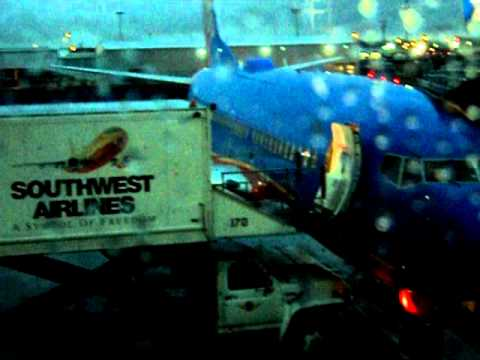 Flash Flood Warning at Houston Hobby Airport - YouTube